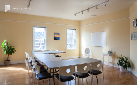 Bright Fremont Classroom in Fremont, Seattle, WA | Peerspace