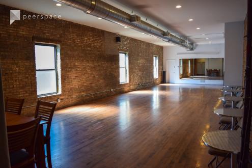 Loft studio space. in North Center, Chicago, IL | Peerspace