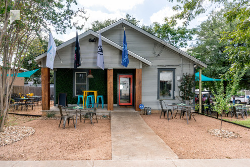 Authentic East Austin vibe - indoor and outdoor venue for meet ups, office and parties in Blackshear-Prospect Hill, Austin, TX | Peerspace