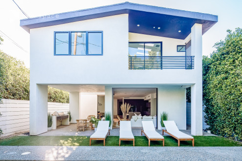 Village Studio WeHo: Modern, light-filled open floor private home perfect for shoots & events in West Hollywood West, West Hollywood, CA | Peerspace