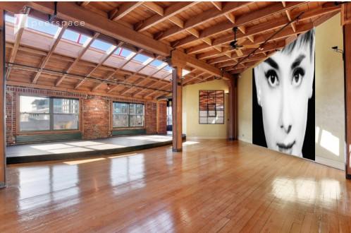 Historic Penthouse Loft: Bricks, Beams, Wood Floors in Downtown Oakland, Oakland, CA | Peerspace