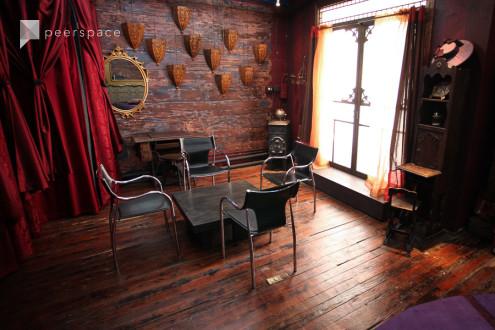 Tribeca Artist's Parlour/Lounge/Meeting room in Lower Manhattan, New York, NY | Peerspace