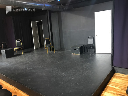 Blackbox Stage for improv, sketch, theater in North Center, Chicago, IL | Peerspace