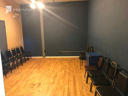 Photoshoots, rehearsals, classes - North Center in North Center, Chicago, IL | Peerspace