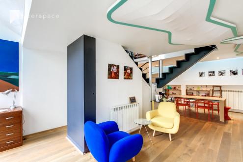 Charmante petite maison parisienne avec verrière in Amérique, Paris,  | Peerspace