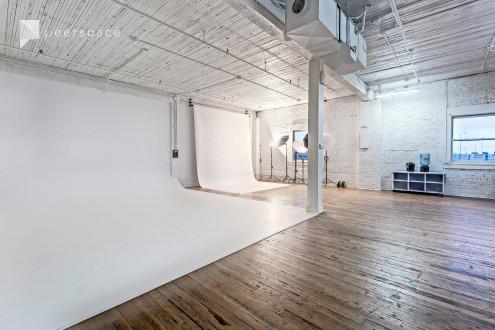 1,200sq ft - Spacious studio with cyclorama wall in SODO, Seattle, WA | Peerspace