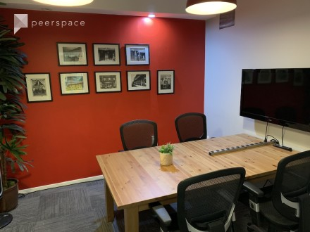 Small Conference Room in Central LA, Los Angeles, CA | Peerspace
