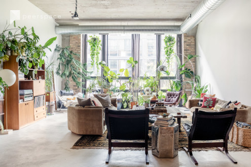 High-end bohemian oasis. Large open floor plan, high ceilings, concrete floors and features. in West Loop, Chicago, IL | Peerspace