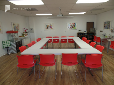 Spacious NOHO Meeting Space in NoHo Arts District, North Hollywood, CA | Peerspace