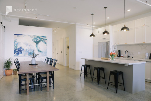 Loft with Natural Light, Brick Wall, & Kitchen in Hoover - Foster, Oakland, CA   Peerspace