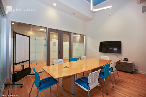 Large Conference Room in Heritage District, Sunnyvale, CA | Peerspace