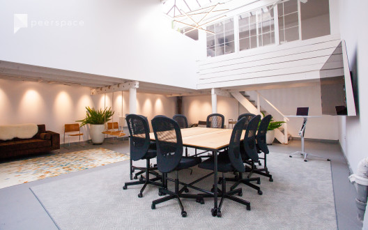 25'x30' Meeting Space Within Converted West-SOMA Industrial Building in South of Market, San Francisco, CA | Peerspace