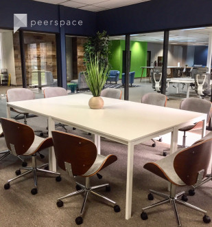 Modern Spacious Conference Room with AV (A) in Menlo Park, CA | Peerspace