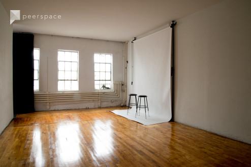 Bright, Spacious & Affordable Studio! in Bushwick, Brooklyn, NY | Peerspace