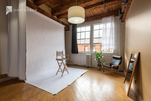 Photo / Video Studio with Room Divider in Pilsen in East Pilsen, Chicago, IL | Peerspace