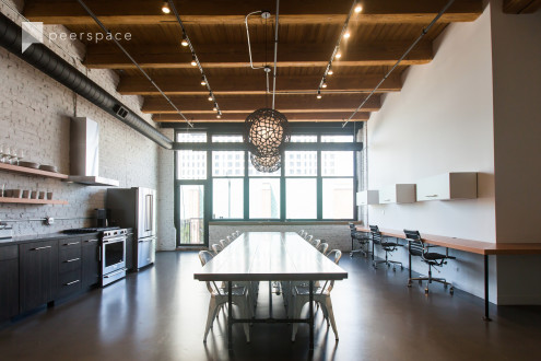 Bright, Light Filled Loft Perfect for Small Gatherings in South Loop, Chicago, IL | Peerspace