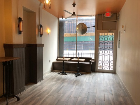 Williamsburg Rustic Lounge With Street Level Bay Window