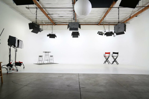 Amazing Fully Lit White Cyclorama 3 Wall Film Video