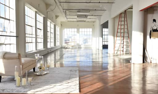 Penthouse with 270° DTLA Skyline View and Natural Light (4800 sf) in Central LA, Los Angeles, CA   Peerspace