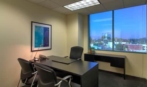 Day Office in Burbank in undefined, Burbank, CA | Peerspace
