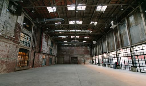 Huge Open Warehouse In Greenpoint in Greenpoint, Brooklyn, NY | Peerspace