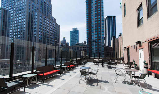 Amazing 2,000 SF Rooftop Terrace in Midtown Overlooking the Empire State Building in Midtown, New York, NY | Peerspace