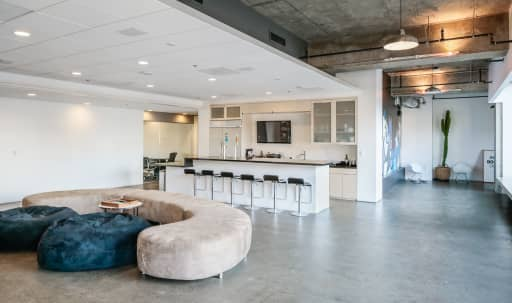 Slick Hollywood Executive Offices in Central LA, Los Angeles, CA | Peerspace