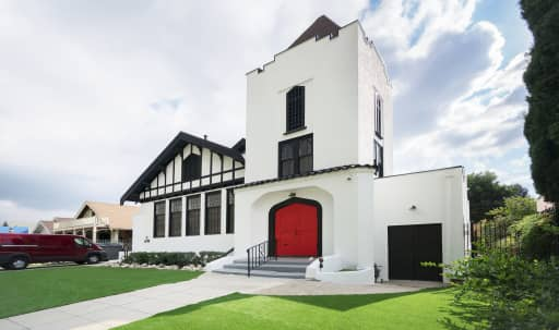 Spacious Restored Historic Building with Beautiful Grounds in Eagle Rock, Los Angeles, CA | Peerspace