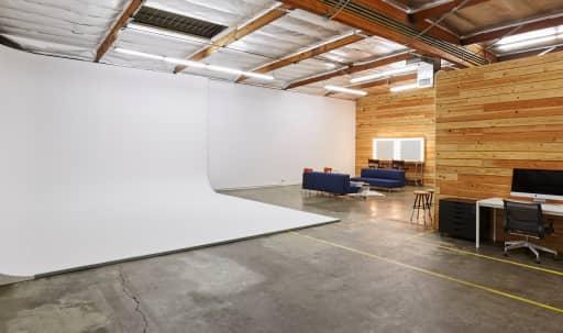 Exquisite Eastside Studio in Northeast Los Angeles, Los Angeles, CA   Peerspace