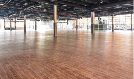Huge Convention & Meeting Center in Greenpoint, Brooklyn, NY | Peerspace