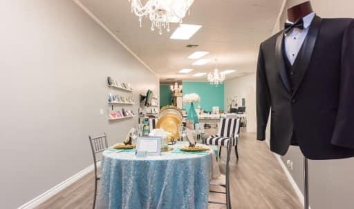 Luxurious Prime Location Boutique Store in Tarzana, Tarzana, CA | Peerspace
