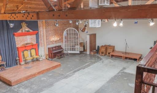 Artsy warehouse film location in Downtown, Los Angeles, CA   Peerspace