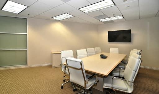 Medium Conference Room in Wilshire Montana, Santa Monica, CA | Peerspace