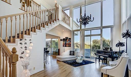 White Modern House in Sherman Oaks, Sherman Oaks, CA | Peerspace