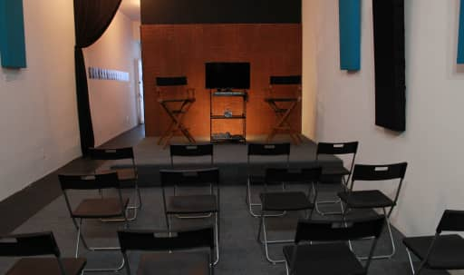 Modern Studio Perfect for Classes, Shoots, Meetings, Casting Sessions, and More in North Hollywood, North Hollywood, CA   Peerspace