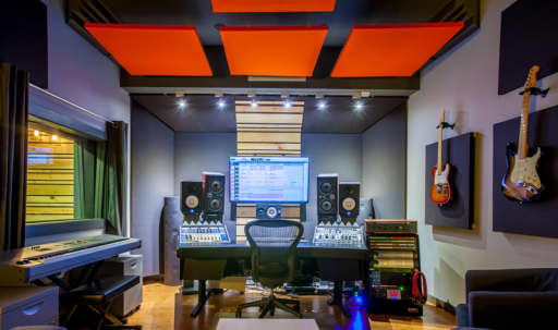 Culver City-area Recording Studio with private parking in Palms, Los Angeles, CA | Peerspace