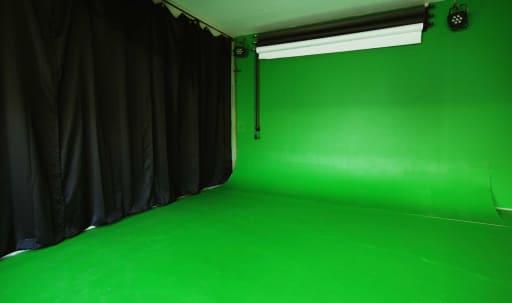 Affordable Culver City Studio - Pre-lit, sound treated, \ in McManus, Culver City, CA | Peerspace
