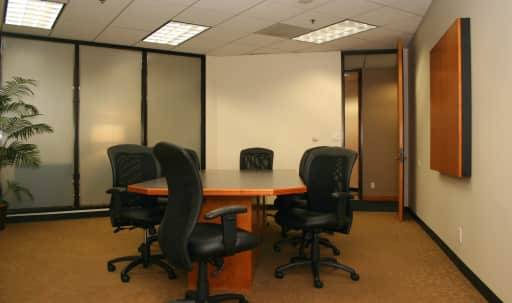Small Conference Room in Culver City in Westchester, Los Angeles, CA | Peerspace