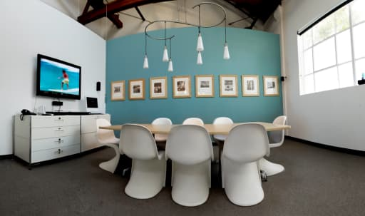 Westside Photo Studio with windows and skylights in Art District, Los Angeles, CA   Peerspace
