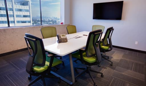 Hollywood Conference Room for 8 with a Penthouse View in Central LA, Los Angeles, CA | Peerspace