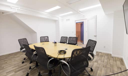 8 Person Creative Conference Room Space with A/V and Whiteboard in Financial District, San Francisco, CA | Peerspace