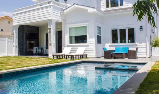 Exquisite Indoor/Outdoor Entertainment Home: Stunning Open Floor Plan with Great Natural Light in Sherman Oaks, Sherman Oaks, CA | Peerspace