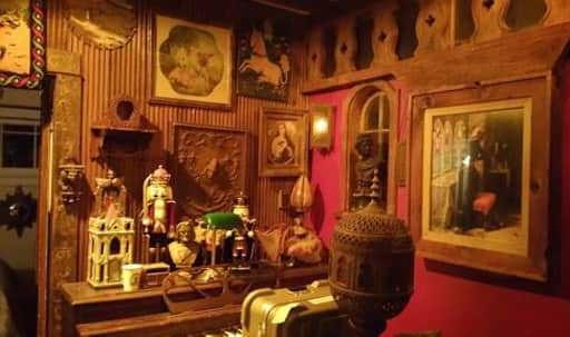 Hobbit House in Central LA, hollywood, CA | Peerspace