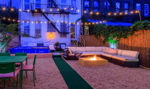 Tropical paradise in Brooklyn, Backyard in Bushwick, Brooklyn, NY | Peerspace