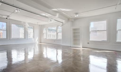 2100 sq ft Loft with City Views & Natural Light in Central LA, Los Angeles, CA | Peerspace