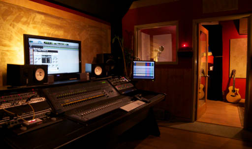 Charming Creative Gem for Recording in Sunset Strip, West Hollywood, CA | Peerspace