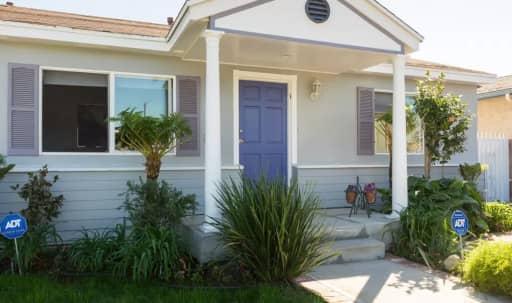 Sweet Marina House - Bike To Beach - Organic Fruit Trees in Lush Backyard in undefined, CULVER CITY, CA | Peerspace