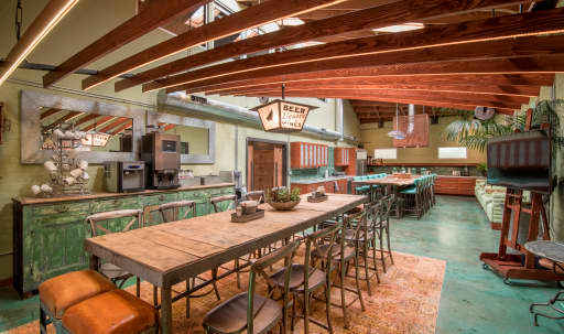 Commercial Kitchen & Cafe Meeting Space in undefined, Burbank, CA | Peerspace