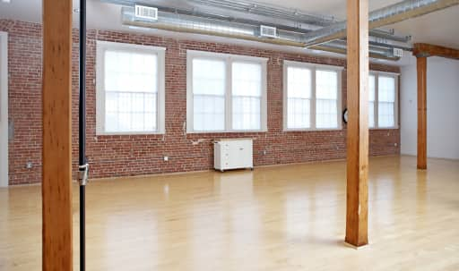 Loft Style Natural Light Photo Studio in West Oakland, Oakland, CA | Peerspace