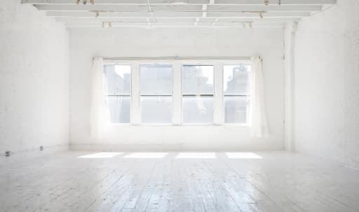 1500 sq. ft. Loft / Daylight Photo Studio in Lower Manhattan, New York, NY | Peerspace